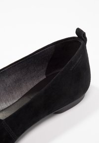 Vagabond - SANDY - Slippers - black - 2