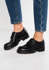 Vagabond - KENOVA - Zapatos de vestir - black - 0