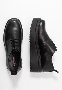 Vagabond - TARA - Šněrovací boty - black - 3