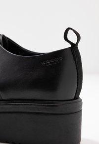 Vagabond - TARA - Šněrovací boty - black - 2
