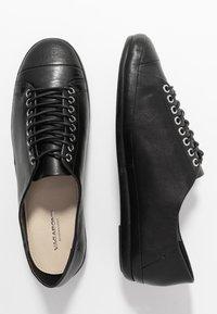 Vagabond - ROSE - Sznurowane obuwie sportowe - black - 3