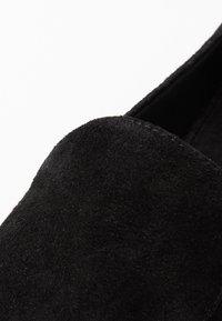 Vagabond - ELIZA - Slippers - black - 2