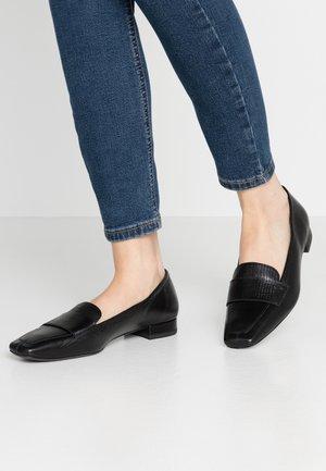 LAYLA - Scarpe senza lacci - black