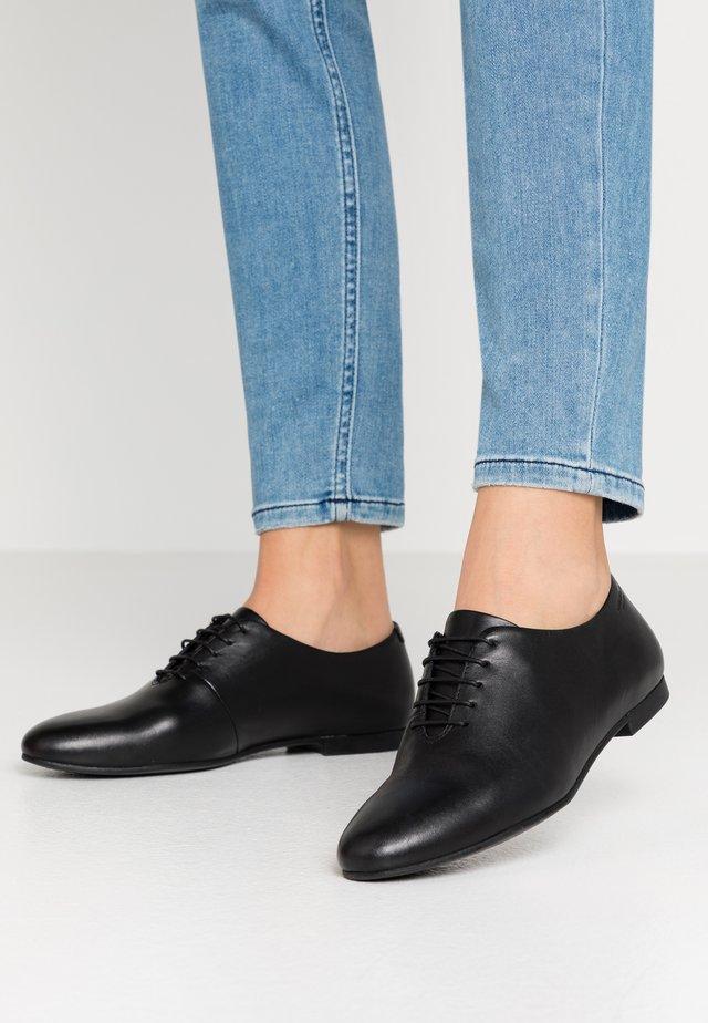 ELIZA - Šněrovací boty - black
