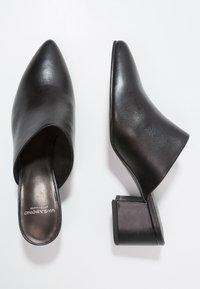 Vagabond - MYA - Pantofle na podpatku - black - 2