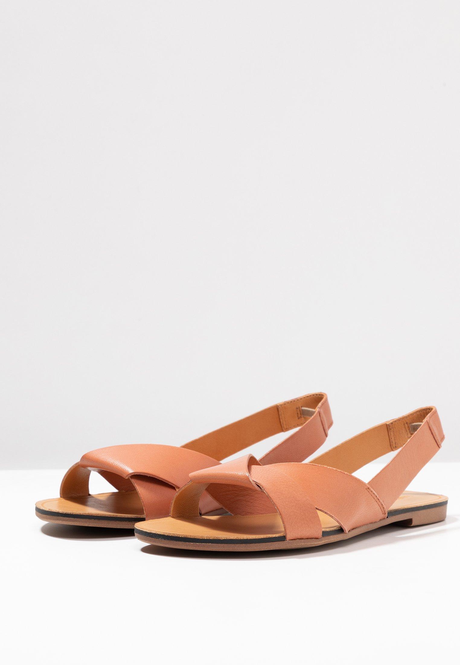 TIA Sandaalit nilkkaremmillä dusty pink