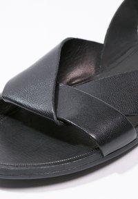 Vagabond - TIA - Sandaler - black - 5
