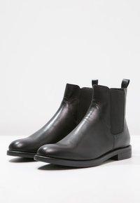 Vagabond - AMINA - Classic ankle boots - black - 2