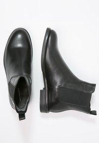 Vagabond - AMINA - Classic ankle boots - black - 3