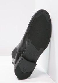 Vagabond - AMINA - Classic ankle boots - black - 5