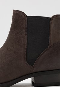 Vagabond - CARY - Ankle boots - brown - 2