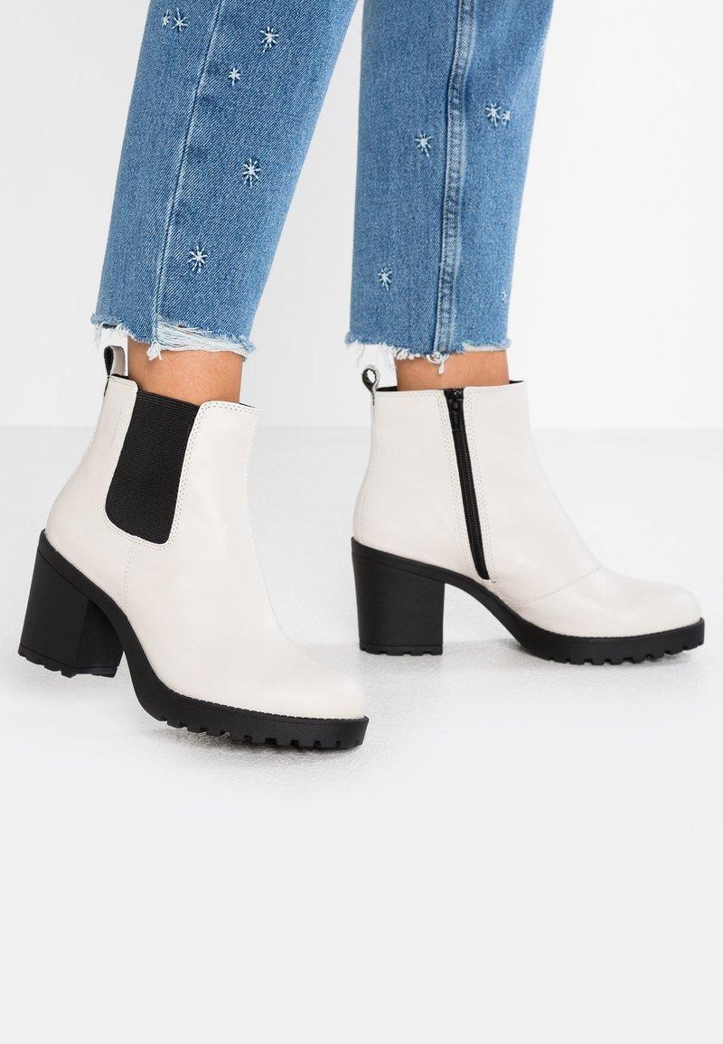 Vagabond - GRACE - Ankle boots - ecru