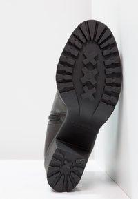 Vagabond - GRACE - Ankle boot - black - 5