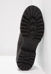 Vagabond - KENOVA - Kotníkové boty na platformě - black - 5