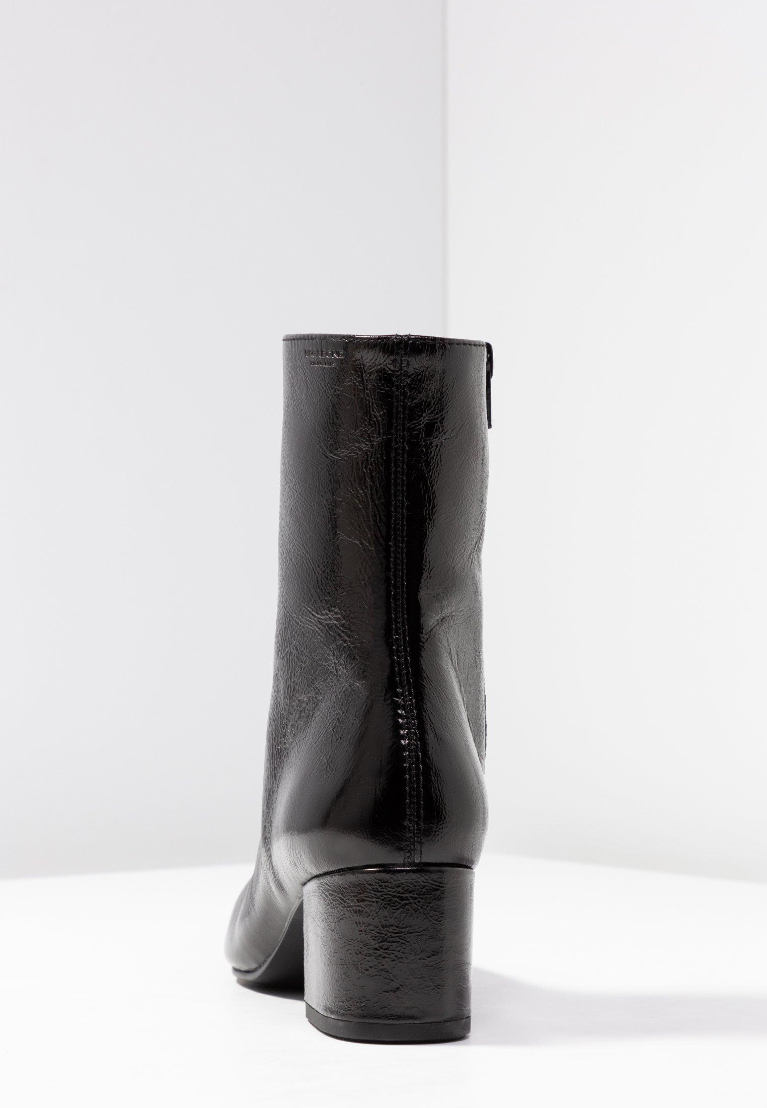 MYA Korte laarzen black