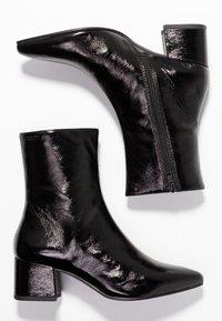 Vagabond - MYA - Korte laarzen - black - 3