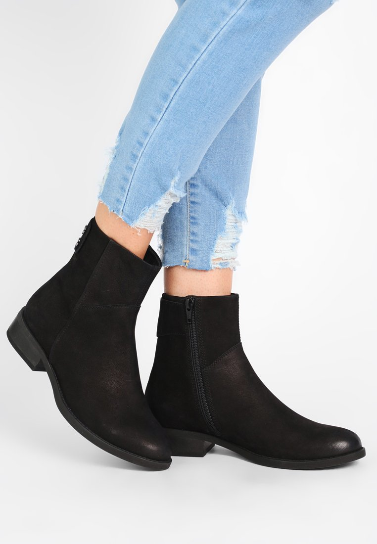 Vagabond - CARY - Classic ankle boots - black
