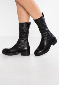 Vagabond - DIANE - Platåstøvler - black - 0