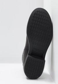 Vagabond - DIANE - Kotníkové boty na platformě - black - 6