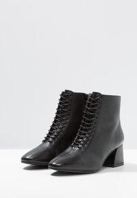Vagabond - ALICE - Boots à talons - black - 4