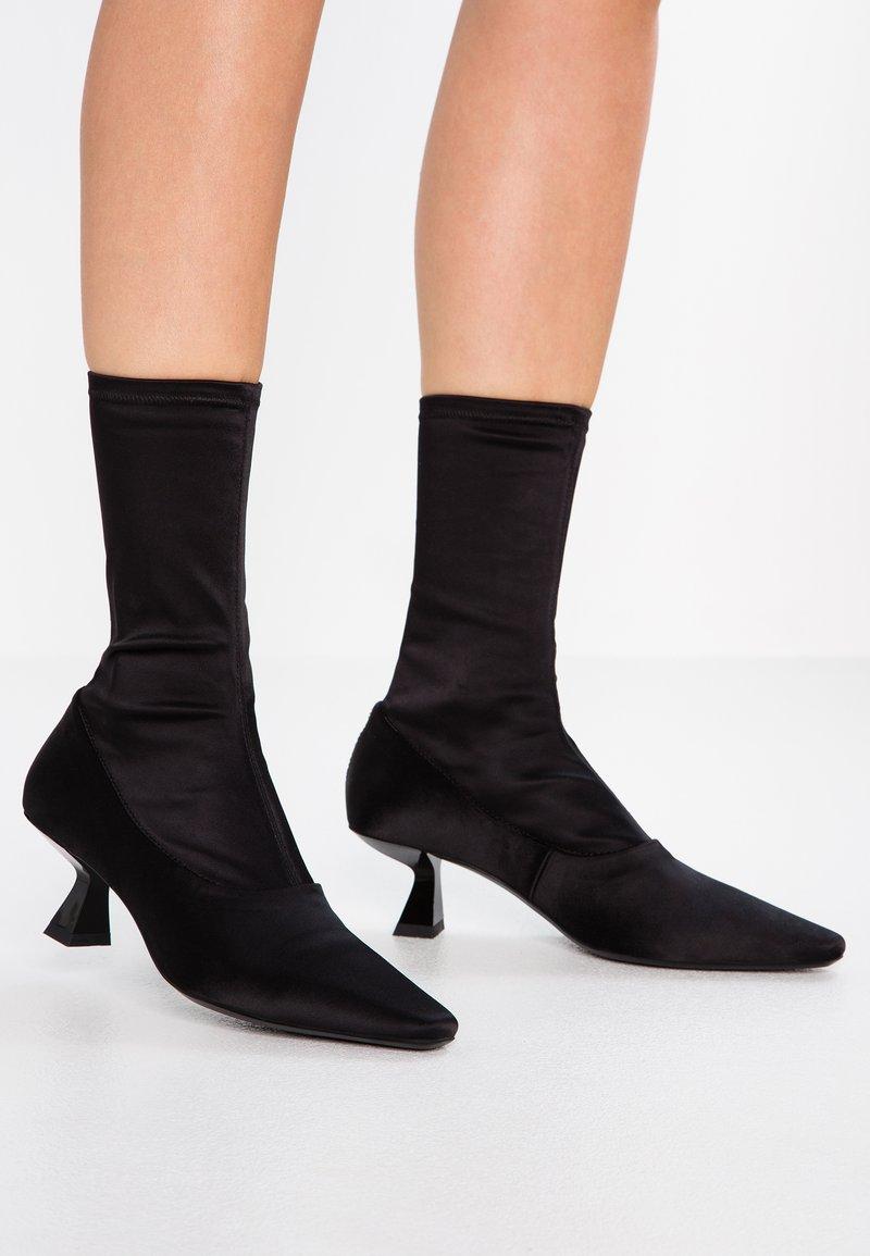 Vagabond - LISSIE - Boots - black