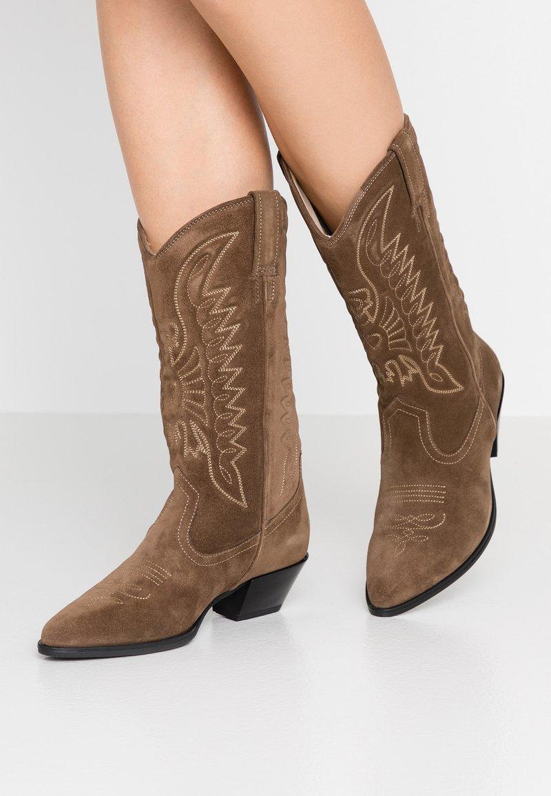 Vagabond - EMILY - Cowboy/Biker boots - taupe