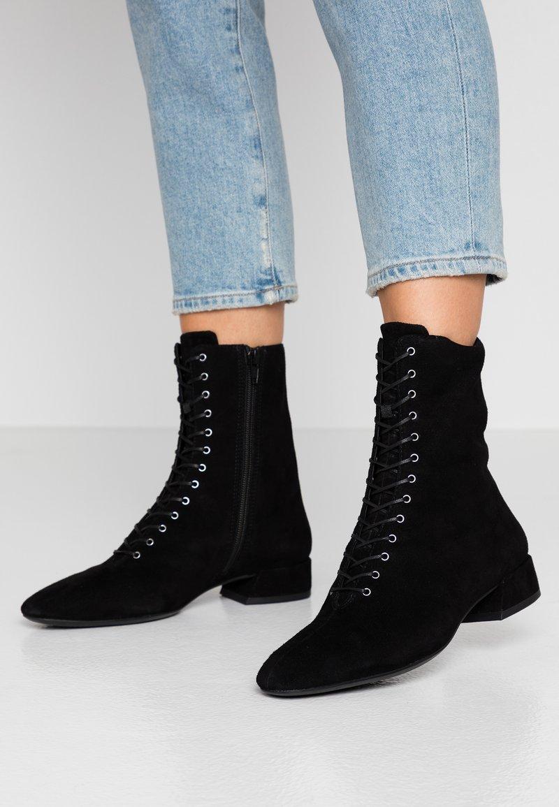 Vagabond - JOYCE - Lace-up ankle boots - black