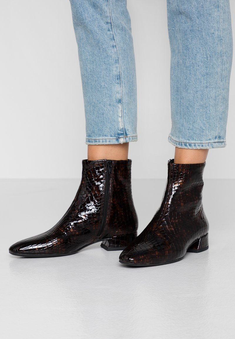 Vagabond - JOYCE - Ankle boots - dark brandy