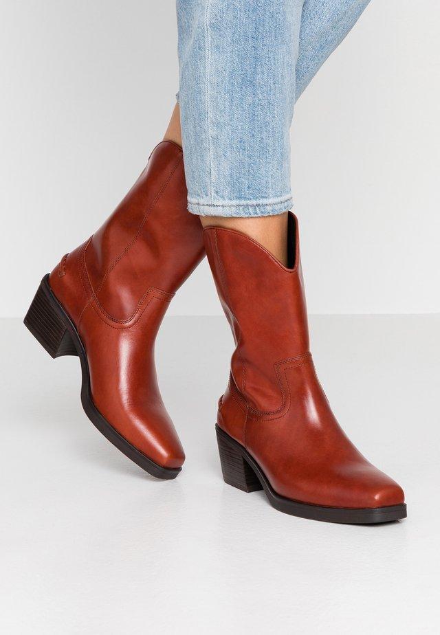 SIMONE - Cowboy/Biker boots - henna