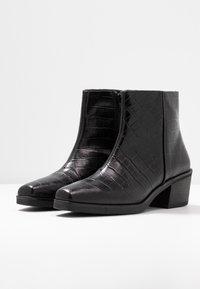 Vagabond - SIMONE - Korte laarzen - black - 4