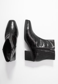 Vagabond - SIMONE - Korte laarzen - black - 3