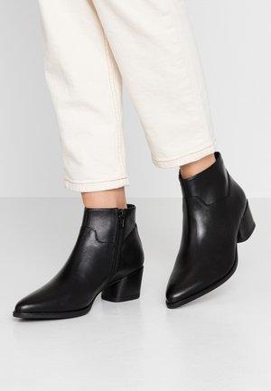 LARA - Ankelstøvler - black