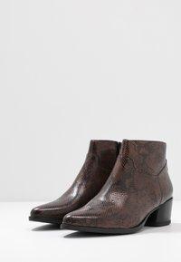 Vagabond - LARA - Ankle boots - dark brown - 4