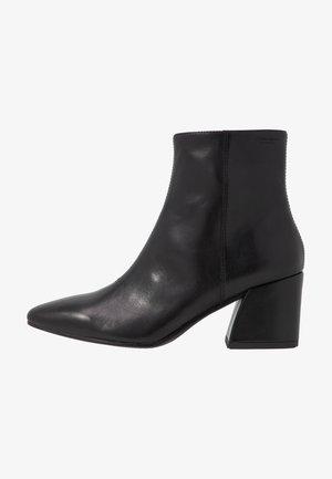 OLIVIA - Støvletter - black