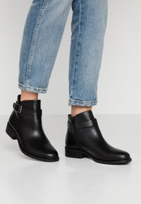 Vagabond - CARY - Ankle boots - black - 0