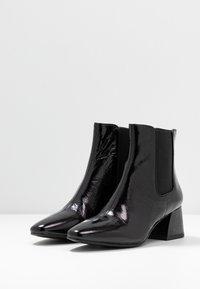 Vagabond - ALICE - Classic ankle boots - black - 4