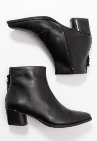 Vagabond - LARA - Ankle boots - black - 3