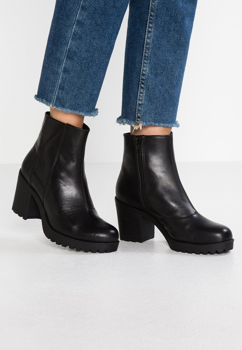 Vagabond - GRACE - Bottines à plateau - black