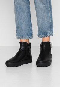 Vagabond - BREE - Korte laarzen - black - 0