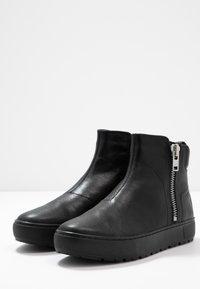 Vagabond - BREE - Korte laarzen - black - 4
