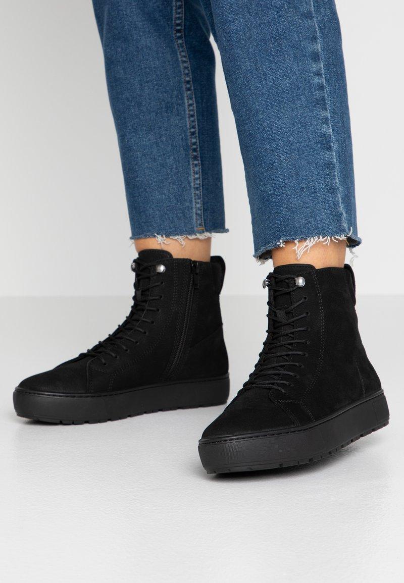 Vagabond - BREE - High-top trainers - black