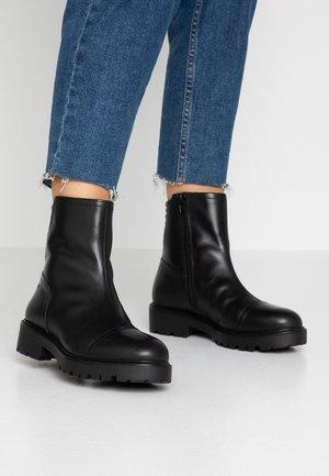 KENOVA - Støvletter - black