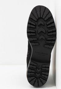 Vagabond - KENOVA - Kotníkové boty - black - 6