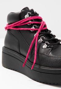 Vagabond - TARA - Kotníková obuv - black - 7