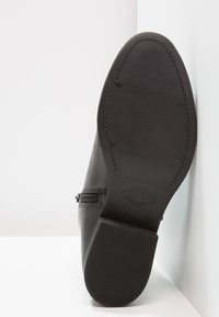 Vagabond - CARY - Classic ankle boots - black - 5