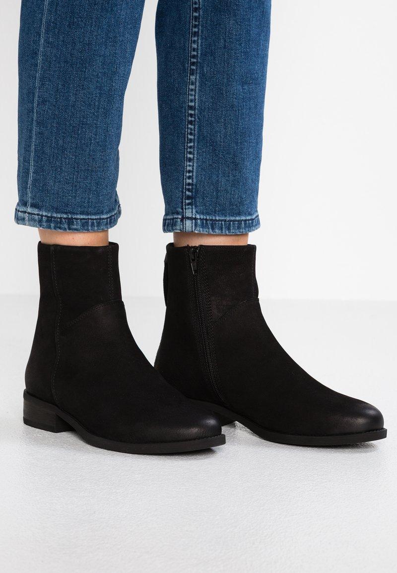 Vagabond - CARY - Vinterstøvler - black