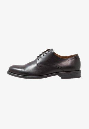 SALVATORE - Elegantní šněrovací boty - black