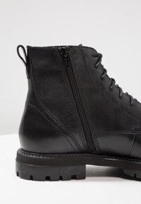 Vagabond - JOHNNY - Lace-up ankle boots - black - 5
