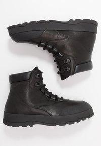 Vagabond - MILO - Šněrovací kotníkové boty - black - 1