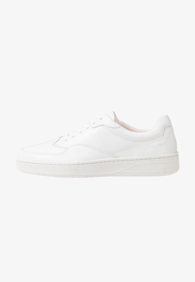 COREY - Matalavartiset tennarit - white